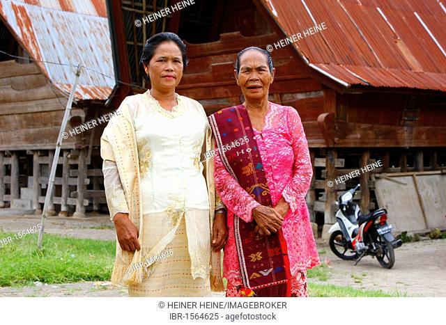 Batak women, Batak culture, Samosir island, Lake Toba, Batak region, Sumatra, Indonesia, Asia