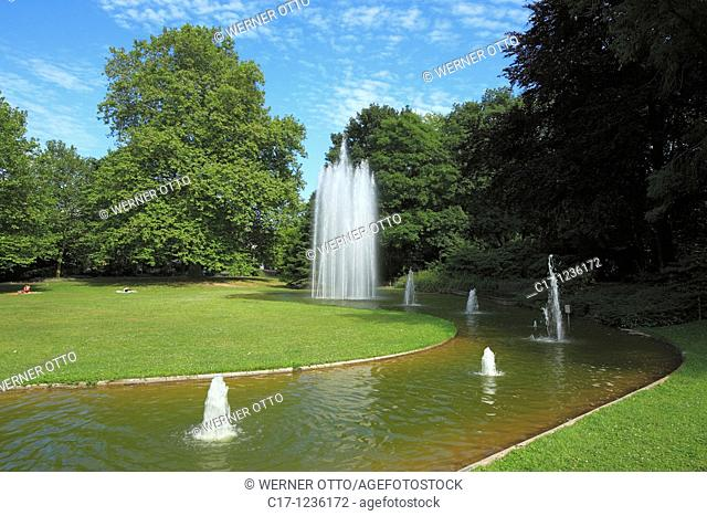 Germany, Neuss, Rhine, Lower Rhine, North Rhine-Westphalia, municipal park, urban park, pond, trick fountains, fountain