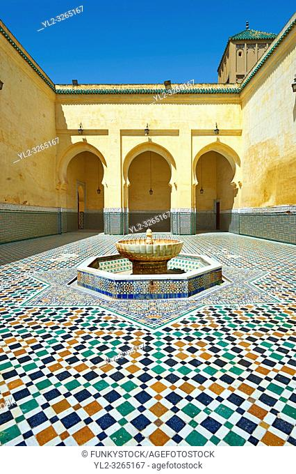 Interior courtyard of the Mauseleum of Moulay Ismaïl Ibn Sharif , reigned 1672-1727. A UNESCO World Heritage Site . Meknes, Meknes-Tafilalet, Morocco