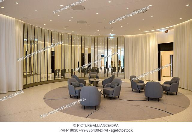 07 March 2018, Germany, Hamburg: A business lounge of the hotel 'The Fontenay' at the Hamburg Outer Alster. The hotel will offically be opened on 19 March 2018