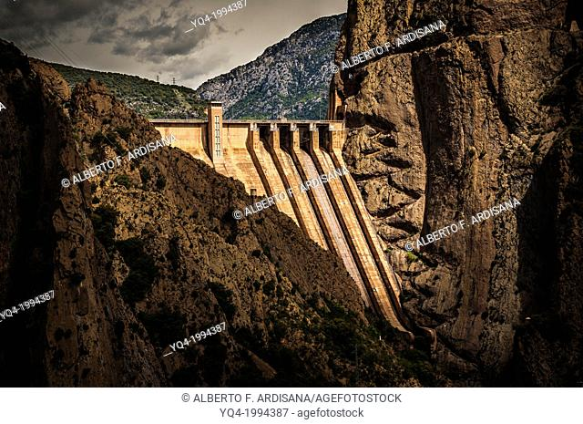 Dam of Escales lake, in which we see a stair carved in the rock.Lleida, Catalonia, Spain