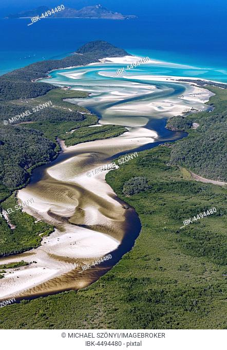 View downstream to Hill Inlet and Whitehaven Beach, Whitsunday Island, Queensland, Australia