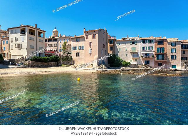 Houses in the old fishing district at Ponches Beach, Saint-Tropez, Var, Provence-Alpes-Cote d`Azur, France, Europe