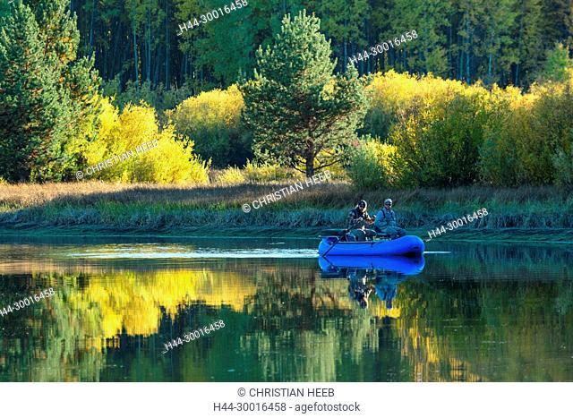 North America, USA, Central Oregon, Oregon, Deschutes river at Dillon Falls, Fishing float