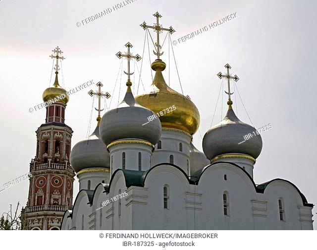 New Maiden Monastery, Cupolas of the Smolensk Cathedral and Belltower, Moscow, Russia, East Europe, Europe