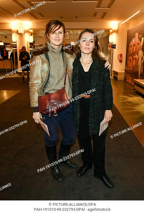 """09 October 2019, Berlin: Sophie Reus (l) and Marie Rosa Tietjen come to the premiere of """"""""Faith in the Possibility of the Complete Renewal of the World"""""""" in the..."""