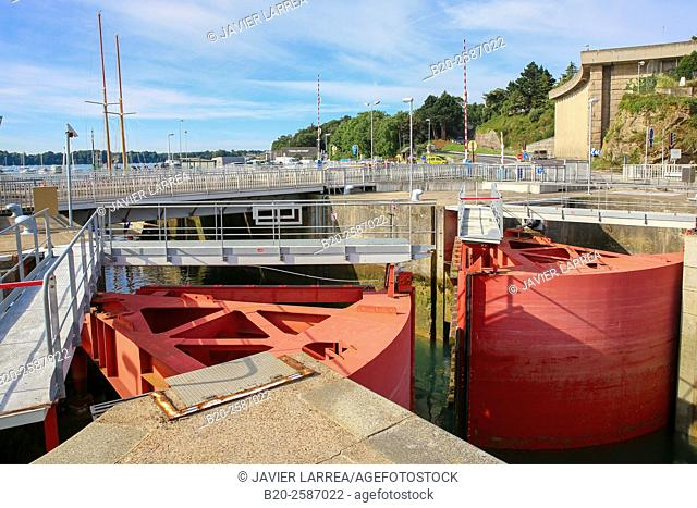 Rance Tidal Power Station, L'estuaire de la Rance, Pointe de la Brebis, Dinard, Bretagne, Brittany, France