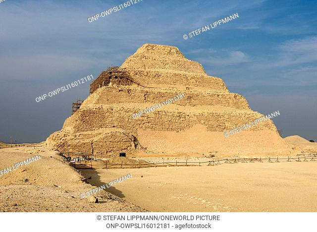 Egypt, Giza Gouvernement, Sakkara, The step pyramid of the Djoser is the oldest Egyptian pyramid and the world's oldest monumental stone building