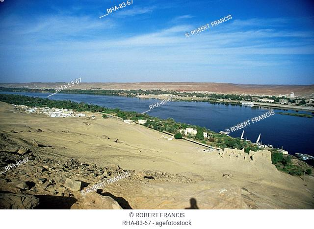 View from the shrine Kubet el Hawa, towards Aswan on the far bank of the River Nile, Upper Egypt, Egypt, North Africa, Africa