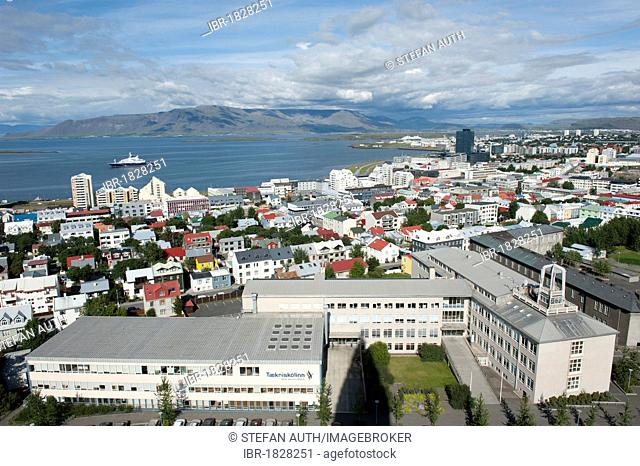 City view from the tower of Hallgrímskirkja church, town centre, Reykjavik, Iceland, Scandinavia, Northern Europe, Europe