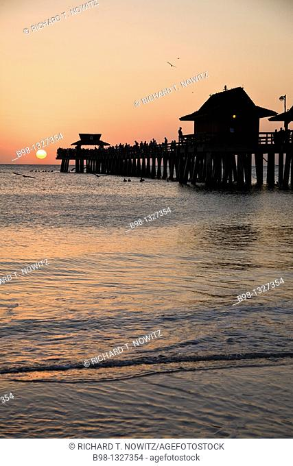 Naples, Florida, Naples Pier at 25 12th  Ave  South and beach