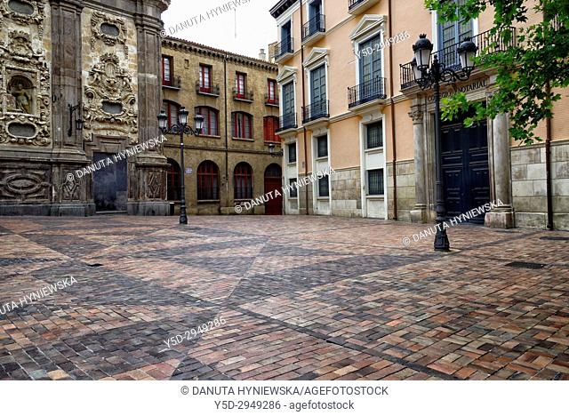 Plaza del Justicia, on left part of Iglesia de Santa Isabel de Portugal commonly known as San Cayetano, Zaragoza, Saragossa, Aragón, Spain, Europe