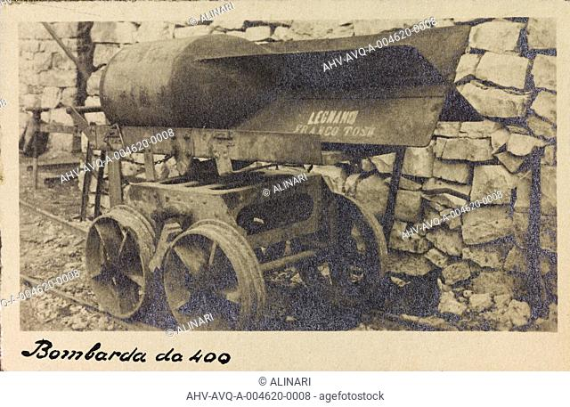 Album Ricordi di guerra, 24 maggio 1915-4 novembre 1918 (War Remembrance 24 May 1915-4 November 1918): bomb by 400 of the Italian army during the First World...