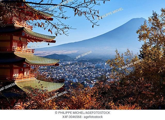 Japan, Honshu, Shizuoka, Fujiyoshida, Chureito Pagoda at Arakura-yama and Mount Fuji