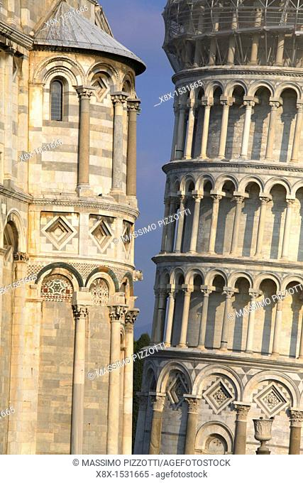 The leaning tower and the cathedral in Piazza dei Miracoli, Pisa, Italy