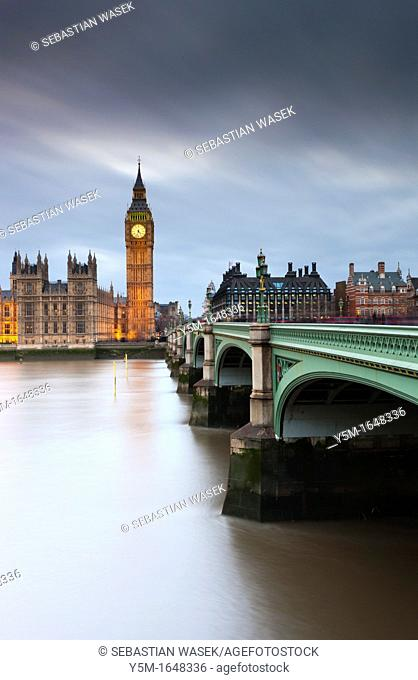 Westminster Bridge over the River Thames leading towards Big Ben and the Houses of Parliament, London, England, UK, Europe