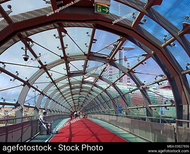 Pedestrian bridge to the Atlantic-Sail-City-Hotel and Klimahaus in Bremerhaven, Bremen, Germany