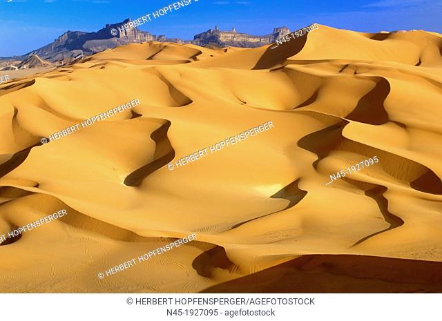 Dunes; Scenery; Libyan Desert; Libyan Arab Jamahiriya