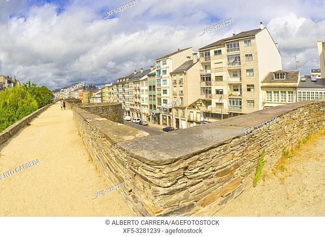 Roman City Walls of Lugo, UNESCO World Heritage Site, Tipycal Architecture, Old Town, Lugo City, Lugo, Galicia, Spain, Europe