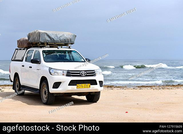 Equipped off-road vehicle on the Atlantic coast near Swakopmund, taken on 02.03.2019. Photo: Matthias Toedt / dpa-Zentralbild / ZB / Picture Alliance | usage...
