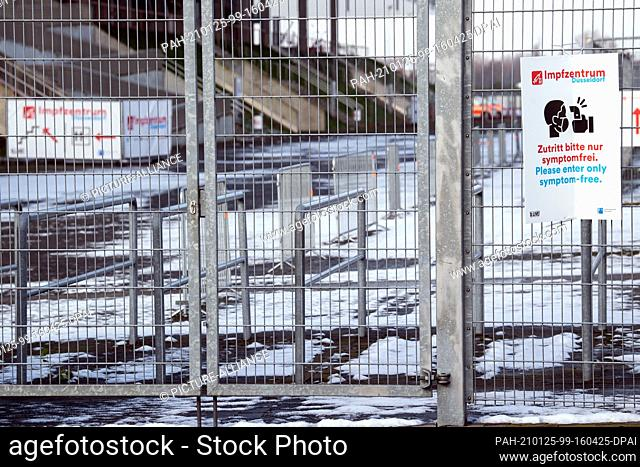 25 January 2021, North Rhine-Westphalia, Duesseldorf: Signs point to the still unused vaccination centre. People aged 80 and over in North Rhine-Westphalia...