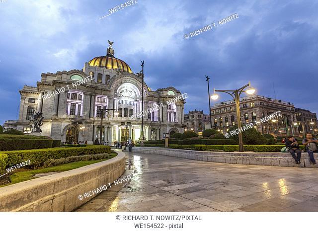 Palacio De Bellas Artes at twilight, Mexico City, Mexico