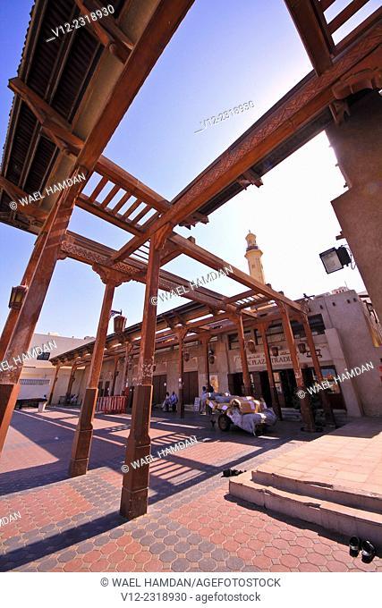 Street scene, Deira old souq, Dubai, United Arab Emirates