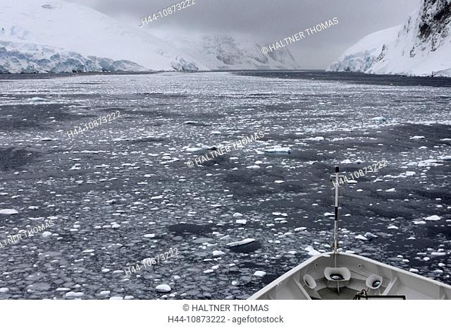 Antarctica,Antarctic,Antarctica,Lemaire channel,Lemaire,canal,channel,ice,drift ice,glacier,cruise ship,trunk,torso
