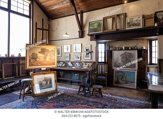Australia, South Australia, Adelaide Hills, Hahndorf, The Cedars, former studio of landscape painter Hans Heysen, interior