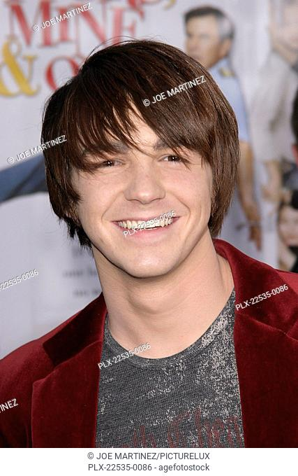Yours, Mine and Ours (Premiere) Drake Bell 11-20-2005 / Cinerama Dome / Hollywood, CA / Paramount Pictures / Photo by Joe Martinez