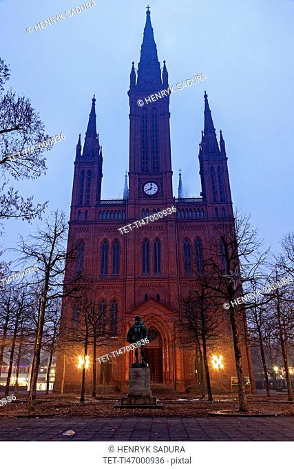 Marktkirche facade illuminated at dawn