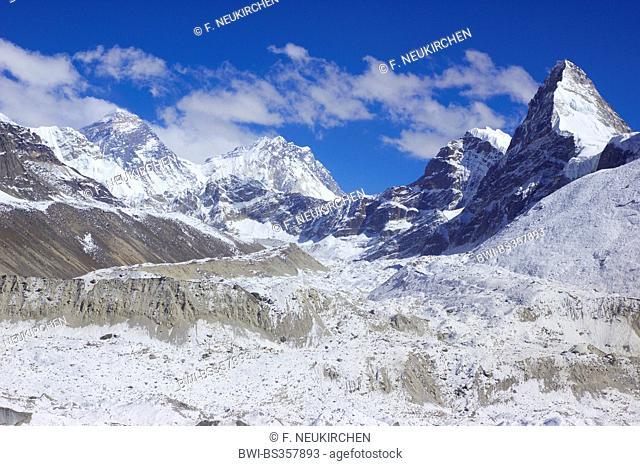 Mount Everest, Nuptse, Nirekha, Kangchung (east). In front Ngozumba glacier, view from 5th lake near Gokyo, Nepal, Himalaya, Khumbu Himal