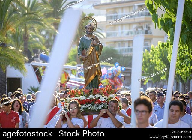 procesión de los pescadores portando la imagen de Sant Pere, Port d'Alcúdia , Mallorca, balearic islands, Spain