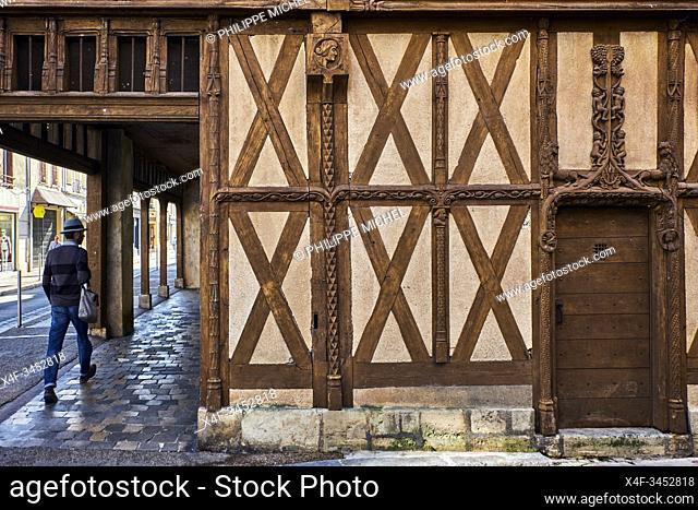 France, Burgundy, Yonne, Sens, old wooden house called Abraham