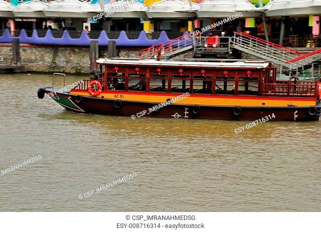 Tourist bumboat on Singapore River