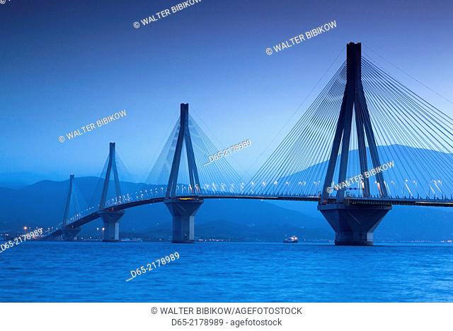 Greece, Peloponese Region, Gulf of Corinth, Patra-area, Rio Antirio Bridge, dawn