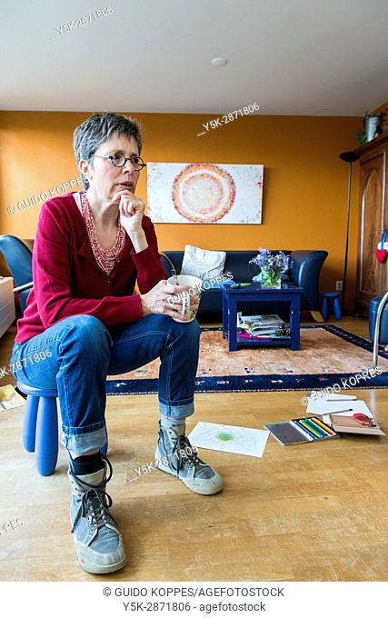 Tilburg, Netherlands. Wife, mother and story teller sharing her history as a long term multiple sclerosis patient succesfully delaying the process