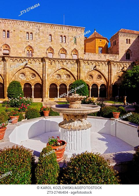 Spain, Catalonia, Tarragona, View of the cloister of The Cathedral of Tarragona.