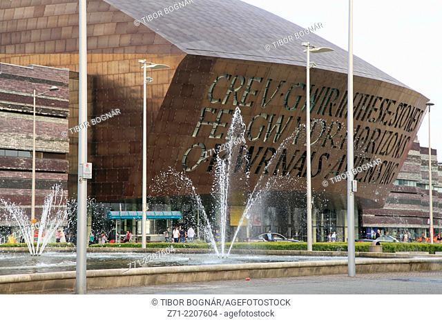 UK, Wales, Cardiff, Bay, Millennium Centre, Roald Dahl Plass,