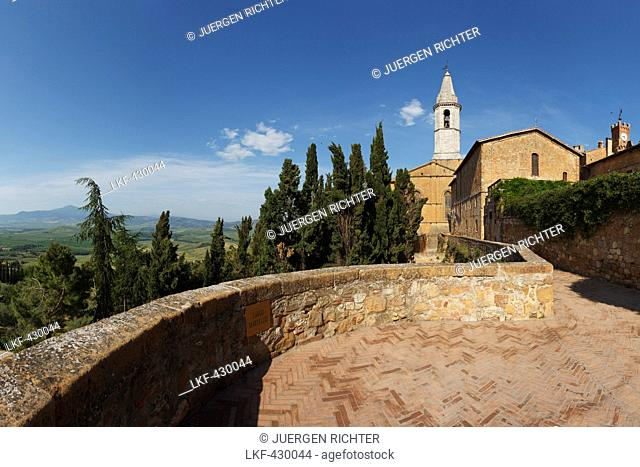 View into Orcia valley from cathedral Santa Maria Assunta, Pienza, Val d'Orcia, Orcia valley, UNESCO World Heritage Site, province of Siena, Tuscany, Italy