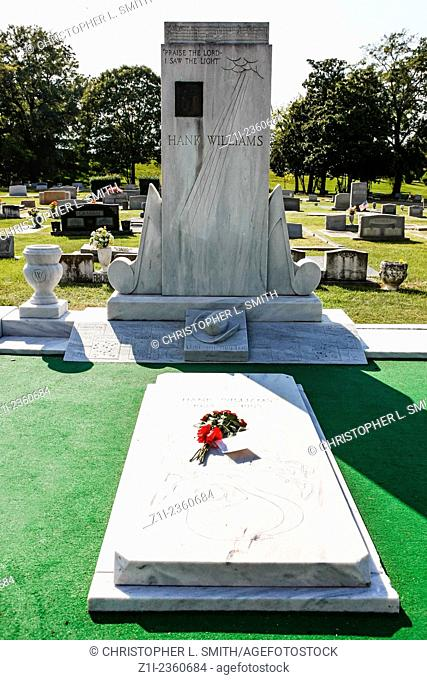 Hank Williams gravestone in the Montgomery city cemetery Alabama