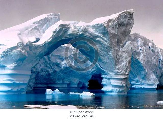 ANTARCTIC PENINSULA AREA, ICEBERG