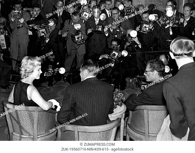 July 16, 1956 - London, England, U.K. - American actress MARILYN MONROE during a press conference in Savoy Hotel, London