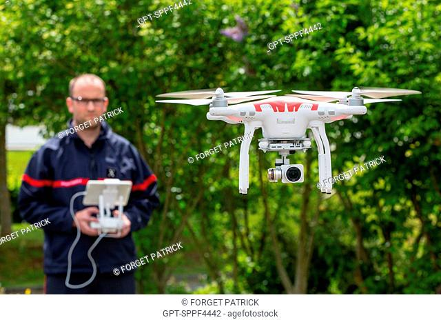 DEMONSTRATION IN PILOTING A DRONE, NEW TOOL IN THE SERVICE OF RESCUE MISSIONS, 24-HOUR SPECIAL FEATURE WITH THE FIREFIGHTERS, ALENCON (ORNE), SDIS61, FRANCE
