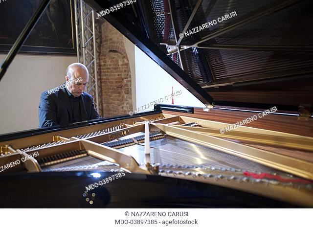 Concert of the pianist Nazzareno Carusi at the Diocesan Museum with the Solisti della Scala for the Lega del Filo d'Oro - held by Panorama d'Italia