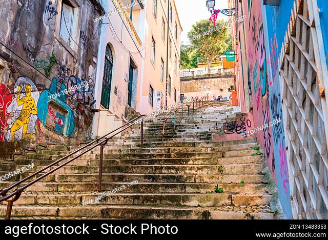 Alleyway up to the neighborhood Castelo in the city of Lisbon
