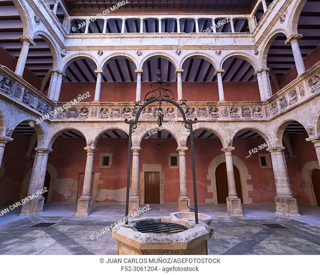 Patio, The Royal Colleges, Tortosa Town, Terres de l'Ebre, Tarragona, Catalunya, Spain