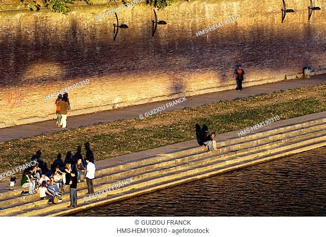 France, Haute Garonne, Toulouse, Garonne river banks, Henri Martin Promenade