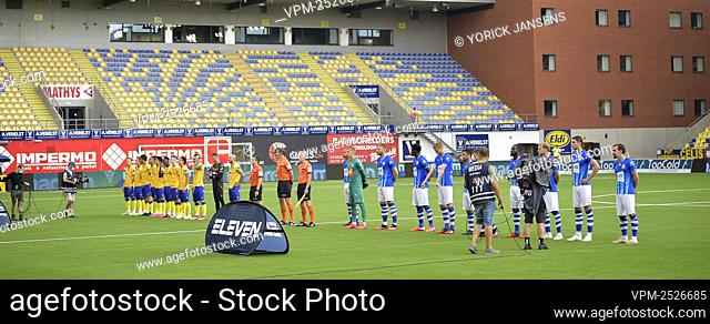 STVV's players and Gent's players pictured before the start of the Jupiler Pro League match between STVV and KAA Gent, in Sint-Truiden, Sunday 09 August 2020