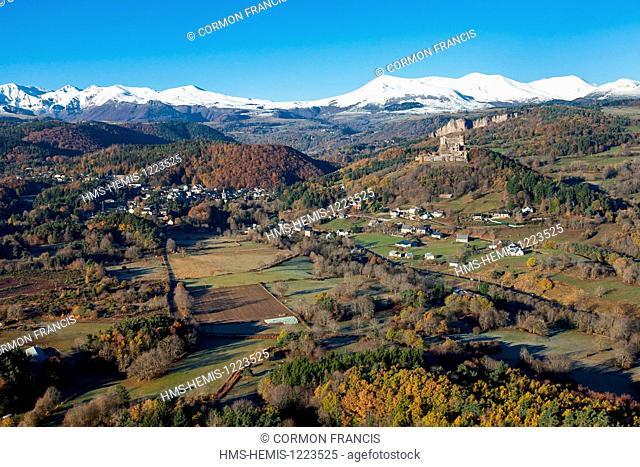 France, Puy de Dome, Parc Naturel Regional des Volcans d'Auvergne (Auvergne Volcanoes Natural Regional Park), Murol, Puy de Sancy in the Massif des Monts Dore...